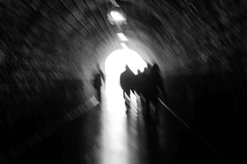 Sombre tunnel